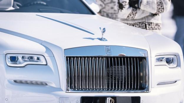 Ein weisser Rolls Royce