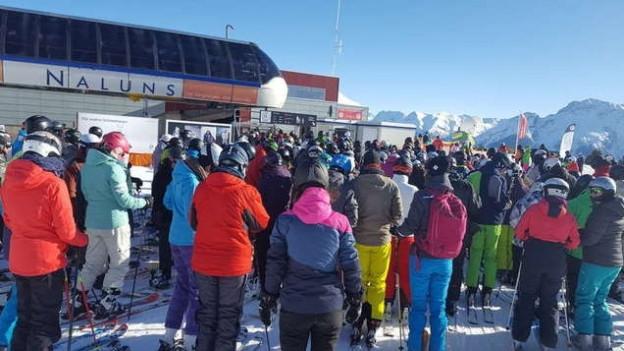 Grosser Andrang in den Skigebieten. Die Bergkantone fordern eine bessere Koordination der Ferien.