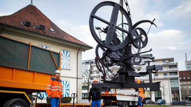 Der Tinguely-Brunnen in Freiburg ist wieder an seinem alten Platz