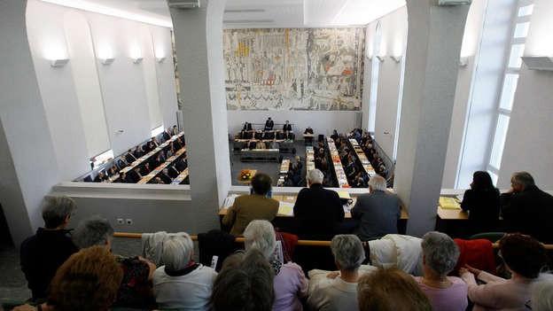 Das Bündner Parlament bei seinen Beratungen.