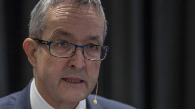 Regierungsrat Thomas Weber nimmt Stellung.