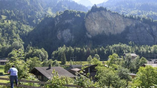 Sicht auf die Abrissstelle im Fels bei Mitholz.