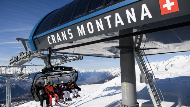 Eine Sesselbahn im Walliser Skiort Crans Montana.