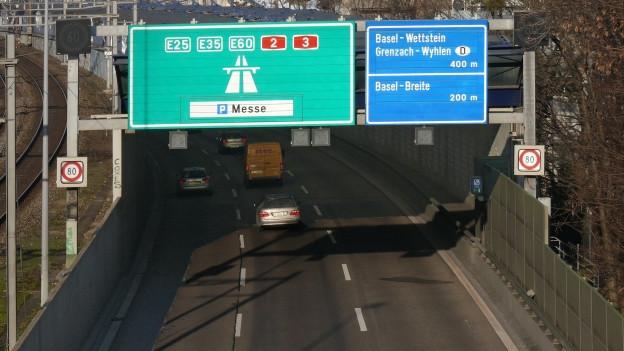 Heute passieren A2 und A3 Basel im Osten und Norden.