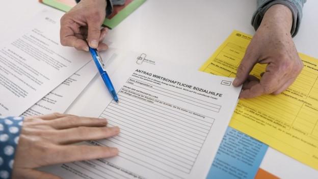 Ein Antragsformular für Sozialhilfe.