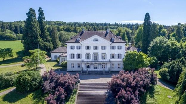Das Schloss Eugensberg von oben.
