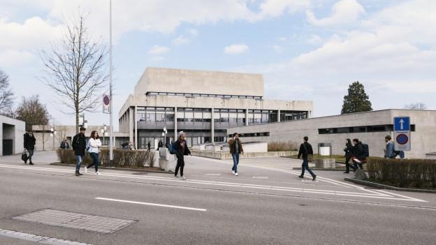 Die Hochschule St. Gallen von aussen.