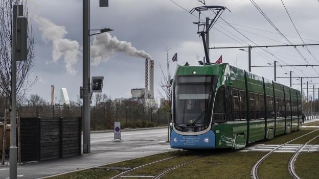 Ein Basler Tram unterwegs