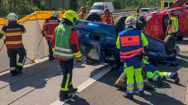 Eine Unfallstelle auf der Autobahn.