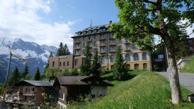 Das Hotel Palace in Mürren von aussen.