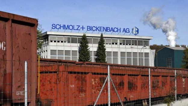 Aussenansicht des Stahlwerks in Emmen.
