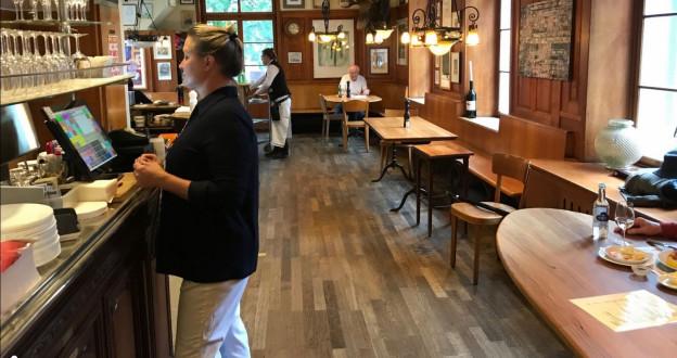 Blick ins Basler Restaurant Harmonie.