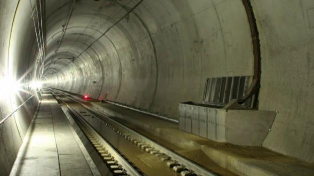 Blick in die verschmutzte Tunnelröhre.