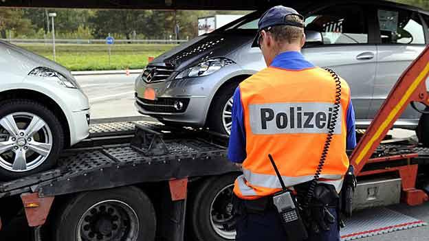 Die Bündner Polizisten sind unzufrieden mit ihrem Gehalt.