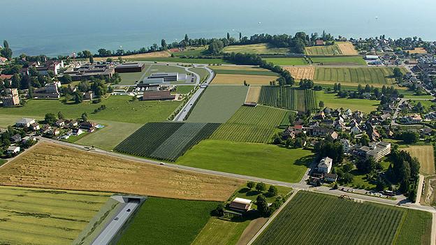 Die Dörfer sollen vom Durchgangsverkehr entlastet werden. Im Bild eine Visualisierung der OLS bei Münsterlingen.