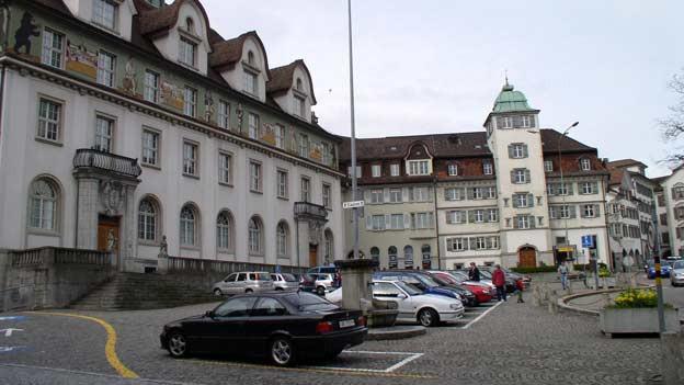 Das Ausserrhoder Regierungsgebäude von aussen gesehen.