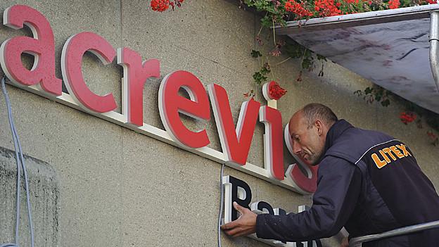 Die Regionalbank Acrevis will Fillialen zusammenlegen.