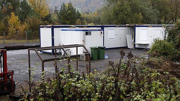 Die Container-Unterkunft für abgewiesene Asylbewerber in der Waldau in Landquart ist eines der kantonalen Zentren.