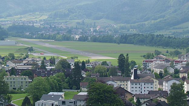 Der Flugplatz Mollis soll in Zukunft für die zivile Luftfahrt genutzt werden.