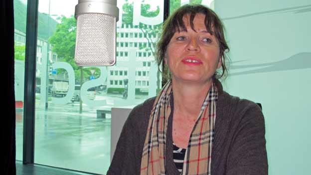 Menga Dolf von der Visarte Graubünden spricht über die Kulturförderung Graubündens.