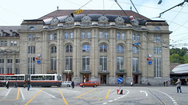 Für 37 Millionen Franken gestalten die St. Galler ihren Bahnhofplatz neu.