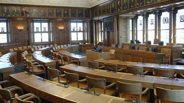 Noch stehen der Regierung im Kantonsratssaal sieben Sitze zur Verfügung.
