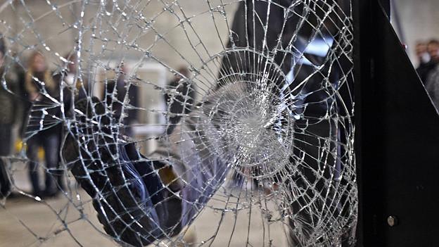 Mehr Polizei soll die St. Galler Bevölkerung vor Einbrüchen schützen, verlangt die Junge SVP.