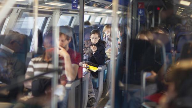 St. Galler Kantonsparlament trifft erste Entscheidungen und streicht zwei Millionen Franken für den öffentlichen Verkehr.