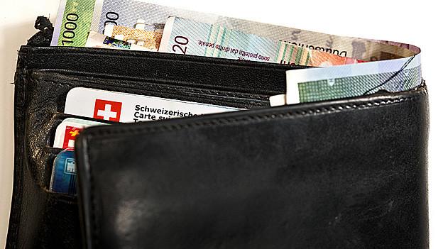 Für die Sanierung der Ausserrhoder Finanzen muss auch die Bevölkerung tiefer in den Geldbeutel greifen.