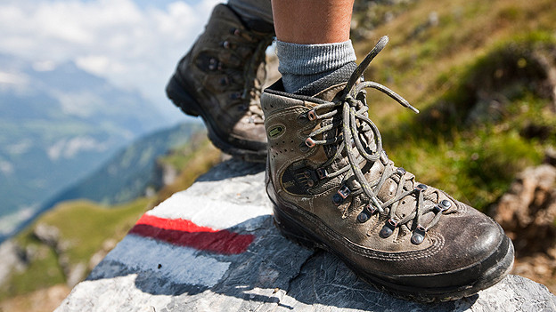 Wer in Obersaxen auf den Berg will, muss das zu Fuss machen.