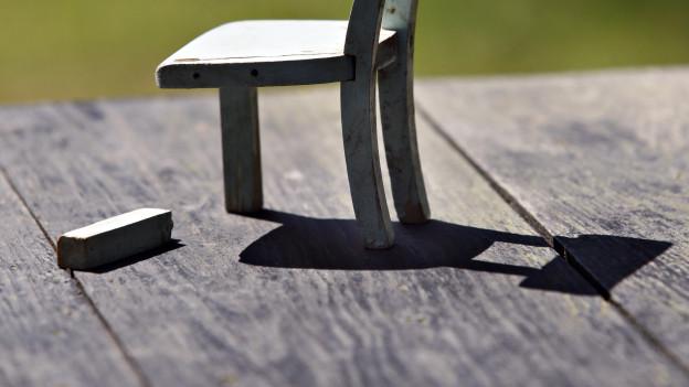 Parteien sägen am Stuhl von Stadtammann Mattle.