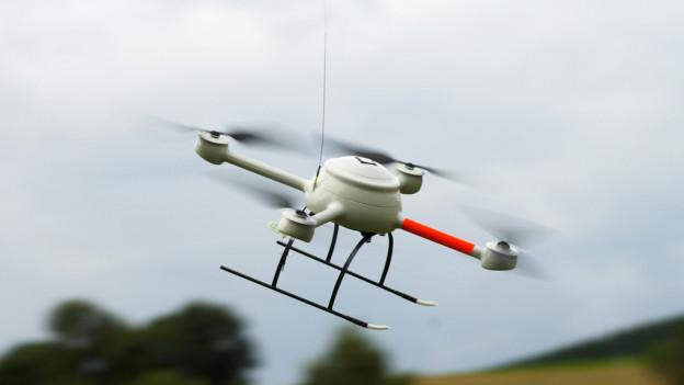 Bei Unfällen im Kanton St. Gallen kommen kleine Drohnen zum Einsatz. (Symbolbild)