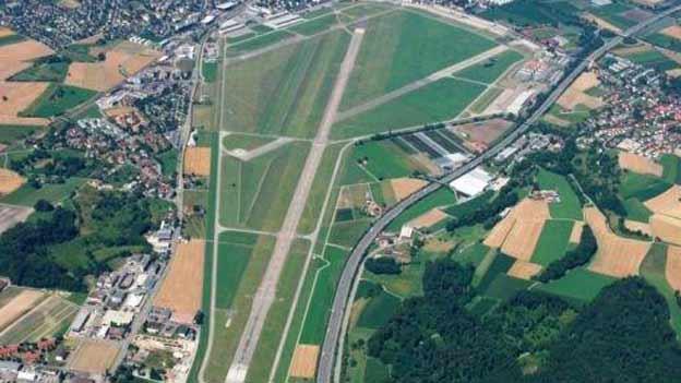 Auch auf den Flugplatz in Dübendorf gäbe es genügend Platz.
