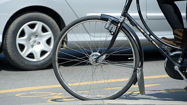 Die Strassen sollen für Velofahrer auch innerorts sicher werden. Das will die Ausserrhoder Kantonsregierung.