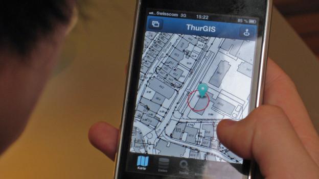 Auf dem Handy können Grundbuchdaten eingesehen  werden