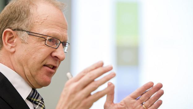 Finanzdirektor Martin Gehrer schaut optimistischer in die Zukunft.