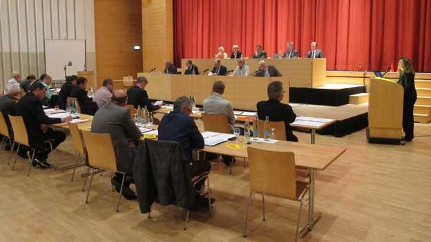 Viele Interessierte verfolgten die Parlamentsdebatte.