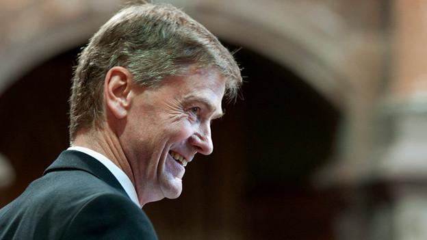 Pankraz Freitag verfolgt eine Debatte während der Frühlingssession 2012.