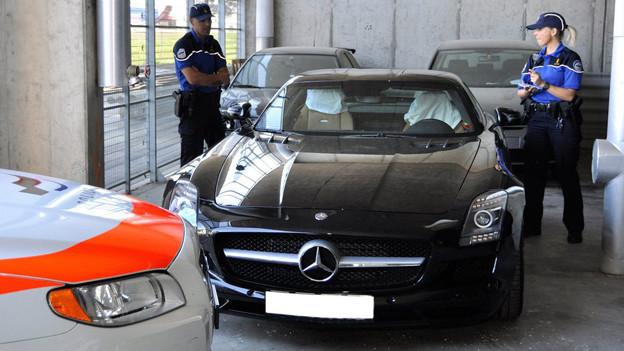 Seit Anfang Jahr kann die Polizei Raser-Autos beschlagnahmen.