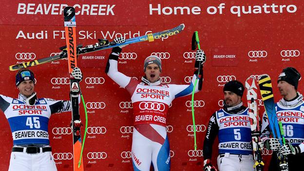 Patrick Küng jubelt: Er verwies Otmar Striedinger, Peter Fill und Hannes Reichelt auf die Plätze zwei und drei.