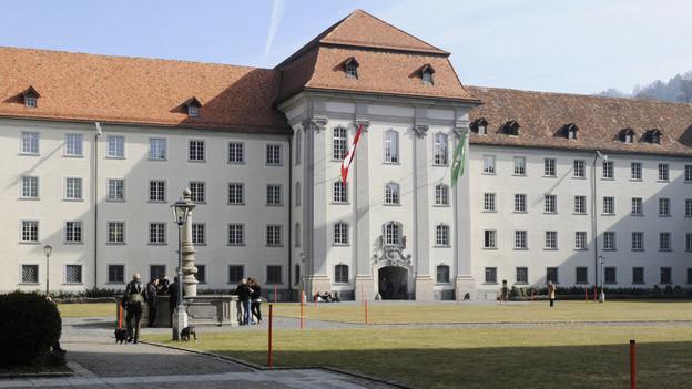 St. Galler Regierungsgebäude: die Sparmassnahmen des Kantons werden positiv gewürdigt.
