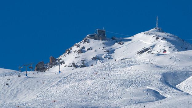 Eine Lawine verschüttete oberhalb von St.Moritz beim Piz Nair einen Freerider.