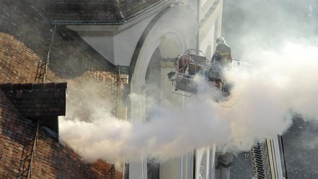 Die Feuerwehr übt einen Brandausbruch im St. Galler Dom.