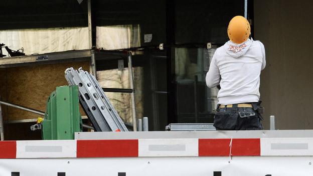 Bündner Baubranche stellt weniger Personal an.