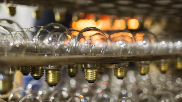 In Ennenda werden nur noch bis Ende Jahr Leuchtmittel produziert.