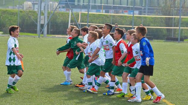 rüh übt sich: Bereits ab 13 Jahren können die Knaben in der Fussball-Akademie aufgenommen werden.