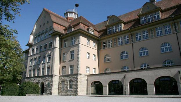 Rund 130 Schülerinnen und Schüler besuchen in Frauenfeld die Handeslmittelschule.