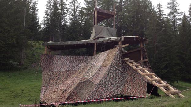 Der Zwischenboden des Holzturms stürzte ein. Wie es zum Unfall kam, wird untersucht.