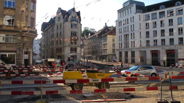 Wenn die meisten Ferien machen, werden die Strassen saniert und Netze installiert