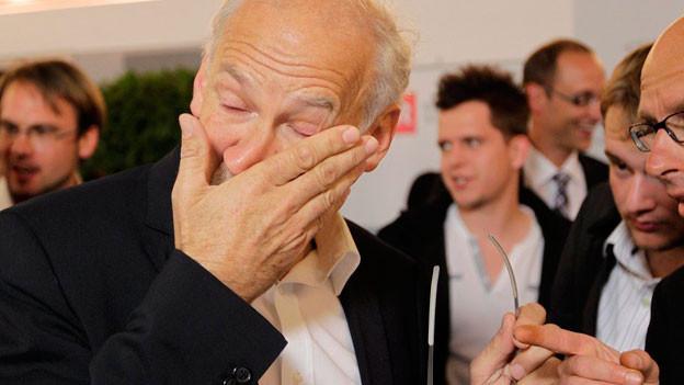 Wahlen 2011: Der neue GLP Nationalrat Gasser weint vor Freude.